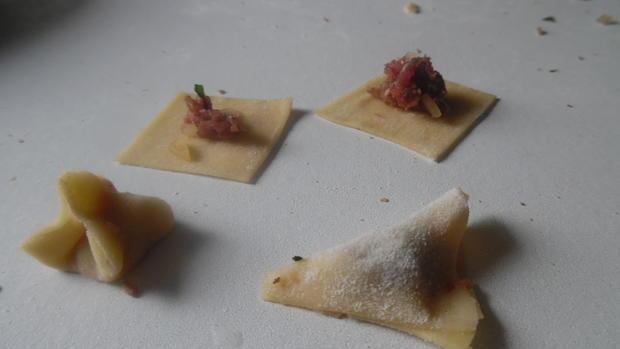 Manti mit Joghurt-Knoblauch-Soße und Paprika-Butter - Rezept - Bild Nr. 2103
