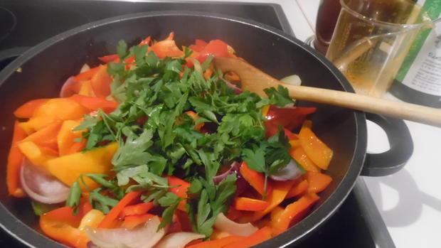 Lammkeule in Honig-Knoblauchsoße mit Paprika-Gemüse - Rezept - Bild Nr. 2124