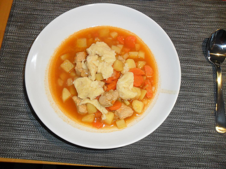 Kesselgulasch ungarische gulaschsuppe rezept for Ungarische gulaschsuppe