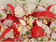 Radieschen-Kräuter-Salat mit Pinienkernen (vegan) - Rezept - Bild Nr. 2167