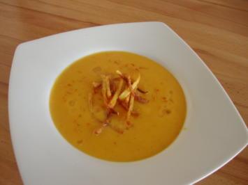 Mein Möhren/Apfelsüppcchen, mit Pro Secco und Kartoffelstroh gepimt - Rezept - Bild Nr. 2201