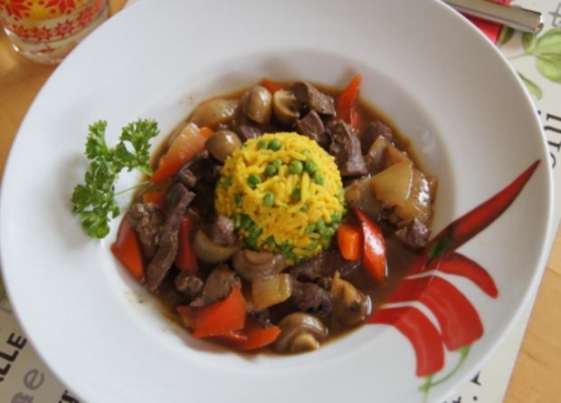 Kalbsleber im Wok mit Gemüse und Curryreis mit Erbsen - Rezept - Bild Nr. 2320
