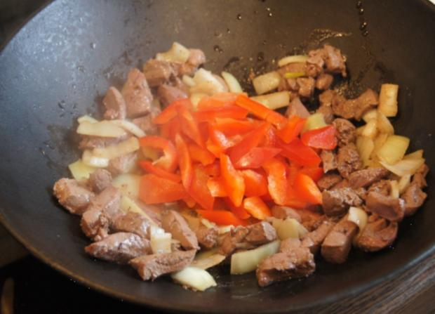 Kalbsleber im Wok mit Gemüse und Curryreis mit Erbsen - Rezept - Bild Nr. 2326