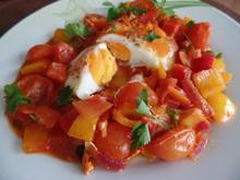 Pochierte Eier in Tomatensoße - Rezept - Bild Nr. 2308
