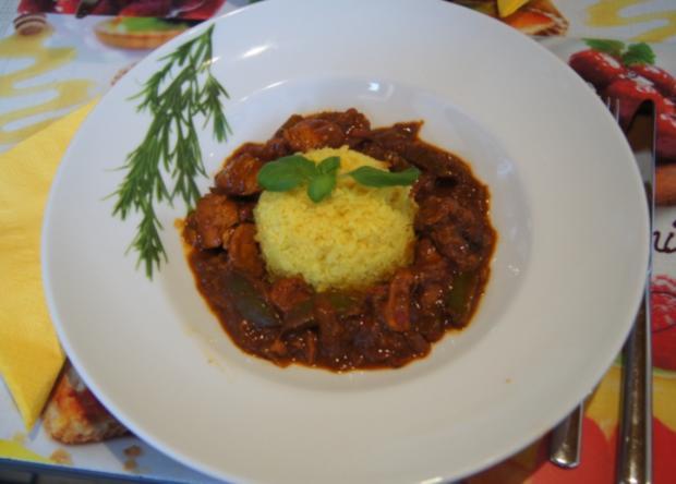 Putengulasch im Wok mit Curry-Blumenkohl-Reis - Rezept - Bild Nr. 2366