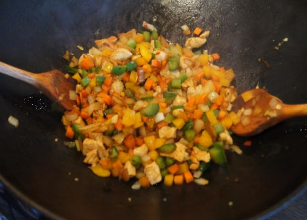Nasi Goreng mit Curry-Blumenkohl-Reis - Rezept - Bild Nr. 2388