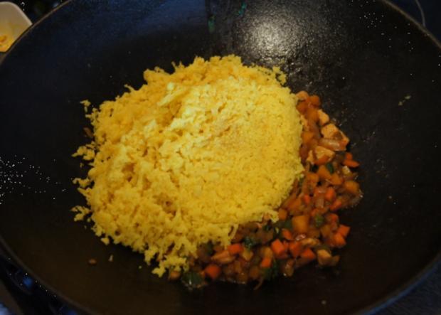 Nasi Goreng mit Curry-Blumenkohl-Reis - Rezept - Bild Nr. 2389