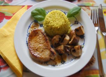 Minutensteak mit gelben Romanesco-Reis und braunen Champignons - Rezept - Bild Nr. 2383
