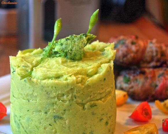 Gefüllte  Hackfleischröllchen im Baconmantel mit Bärlauch-Kartoffelpüree - Rezept - Bild Nr. 2