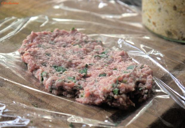 Gefüllte  Hackfleischröllchen im Baconmantel mit Bärlauch-Kartoffelpüree - Rezept - Bild Nr. 10