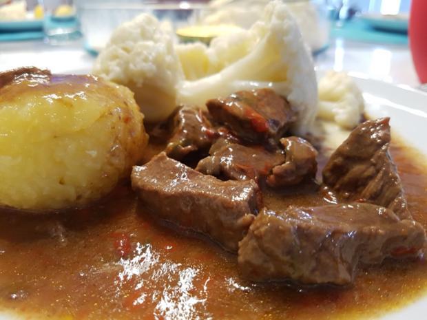 Fleisch / Rind = Gulasch à la Biggi  - Rezept - Bild Nr. 2445