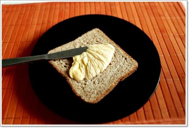 Glücksbringer – Golden Toast mit Eisbergsalat, Eiern und Marienkäfer - Rezept - Bild Nr. 2450
