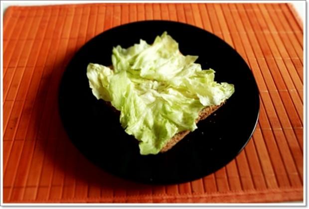 Glücksbringer – Golden Toast mit Eisbergsalat, Eiern und Marienkäfer - Rezept - Bild Nr. 2451