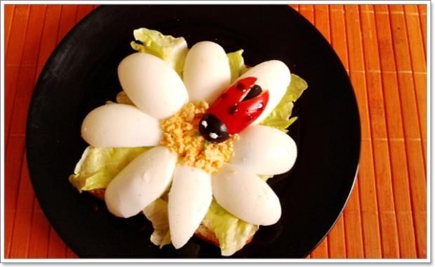 Glücksbringer – Golden Toast mit Eisbergsalat, Eiern und Marienkäfer - Rezept - Bild Nr. 2453