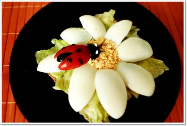 Glücksbringer – Golden Toast mit Eisbergsalat, Eiern und Marienkäfer - Rezept - Bild Nr. 2455