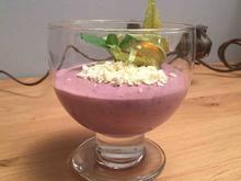Rotweinmousse mit weißer Schokolade und Physalis - Rezept - Bild Nr. 2