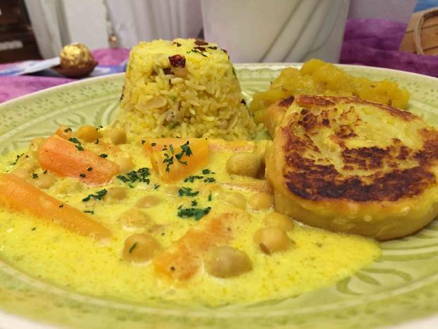 Duftender Safran-Reis mit einem Hauch Rosenwasser, Pistazien und Mandeln - Rezept - Bild Nr. 2