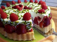 Erdbeer-Himbeere-Quark-Cremefine  Torte mit Pistazien - Rezept - Bild Nr. 2565