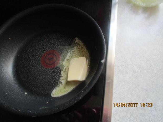 Cevapcici mit Djuvec-Reis und scharfen roten Zwiebeln - Rezept - Bild Nr. 2605