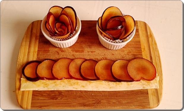 Pflaumen-Blätterteig-Rosen als Dessert - Rezept - Bild Nr. 2603