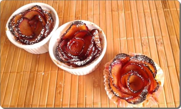 Pflaumen-Blätterteig-Rosen als Dessert - Rezept - Bild Nr. 2606