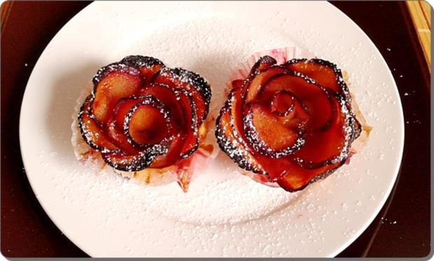 Pflaumen-Blätterteig-Rosen als Dessert - Rezept - Bild Nr. 2607