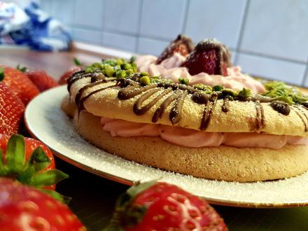 Mazu12-Dünner Biskuitboden mit Erdbeer und Joghurt - Rezept - Bild Nr. 2686