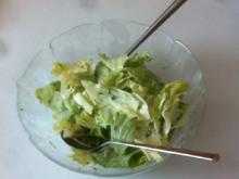 Eisbergsalat mit Zitronenmelissen-Dressing - Rezept - Bild Nr. 2