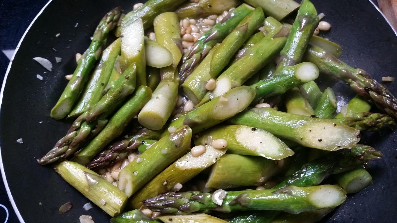 Grüner spargel gebraten rezept