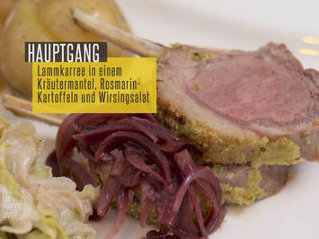 Rezept: Lammkarree mit Kräutermantel mit Rosmarinkartoffeln und einem Wirsingsalat