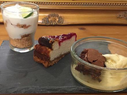 New Yorker Cheesecake, Key Lime Pie und Hot Brownie mit Vanille Eis - Rezept - Bild Nr. 2