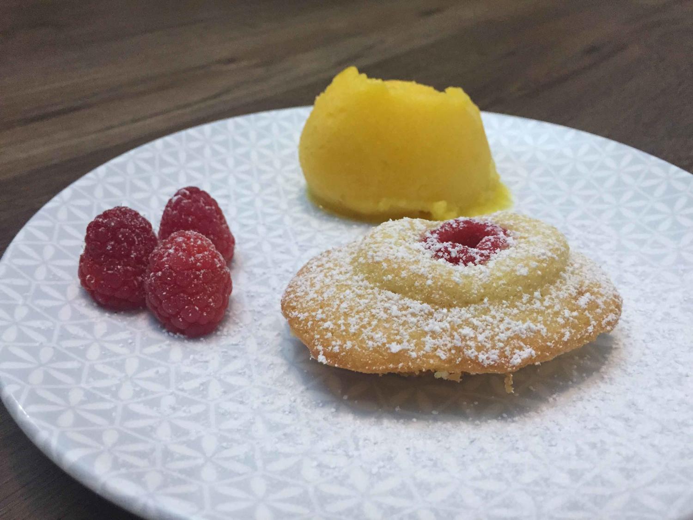 madeleines mit mango ananas sorbet rezept. Black Bedroom Furniture Sets. Home Design Ideas