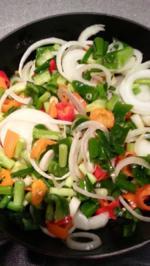 Gemischter Beilagensalat zum Grillfleisch - Rezept - Bild Nr. 2