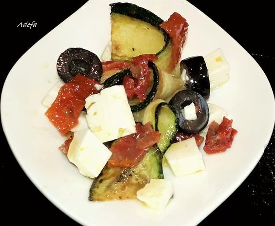 zucchini salat mit essig l dressing rezept. Black Bedroom Furniture Sets. Home Design Ideas