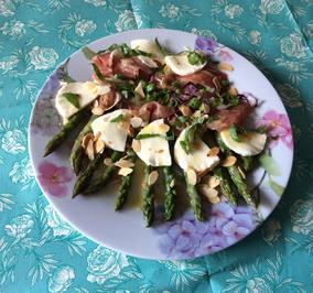 Rezept: Spargelsalat mit Prosciutto