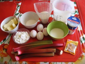 Rezept: Rhabarberkuchen mit Sahneguss und Baiserhaube