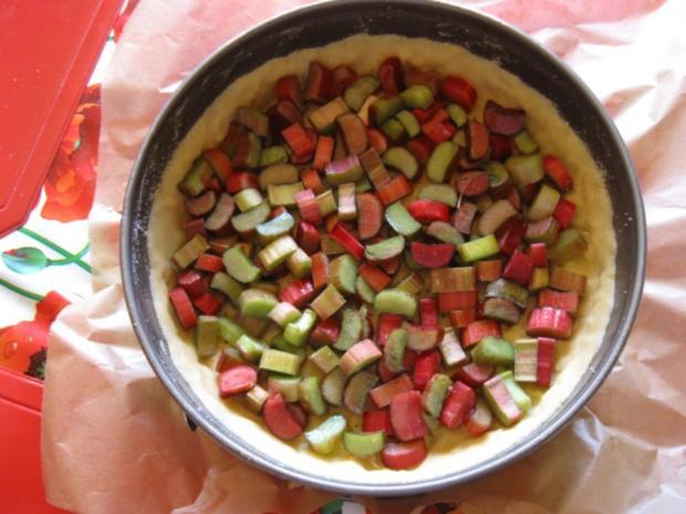 Rhabarberkuchen mit Sahneguss und Baiserhaube - Rezept - Bild Nr. 2991