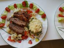Rindviech auf Gemüsebett an Paprikaring mit Kartoffelpüree - Rezept - Bild Nr. 2999