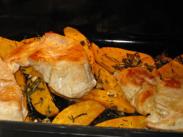 Hähnchenbrust mit Süßkartoffelspalten und Apfel-Zwiebel-Chutney - Rezept - Bild Nr. 3015