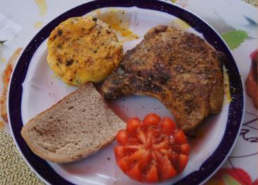 Kotelett mit Grillkäse und Tomate - Rezept - Bild Nr. 3029
