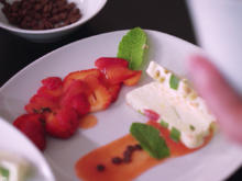 Vanilleparfait mit Erdbeeren - Rezept - Bild Nr. 2