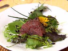 Thunfisch Tatar auf Kräutersalatbett mit Sesamdressing - Rezept - Bild Nr. 2