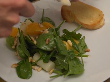 Spargel-Orangen-Salat mit Himbeeressig-Dressing und selbstgemachtem Ciabattabrot - Rezept - Bild Nr. 3161