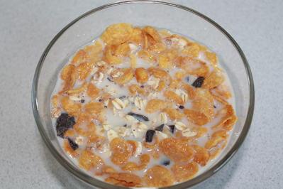 Vanille-Schoko-5-Korn-Müsli mit Haferflocken und Cornflakes - Rezept - Bild Nr. 2