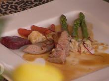 Lammfilet mit Ingwer-Jus, Bohnencreme, Frühlingsgemüse und Rote-Beete-Ravioli - Rezept - Bild Nr. 2