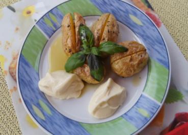 Würzige Backkartoffeln mit Knoblauch-Aioli - Rezept - Bild Nr. 2