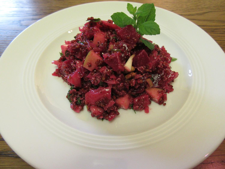 rote beete salat mit quinoa rezept mit bild. Black Bedroom Furniture Sets. Home Design Ideas