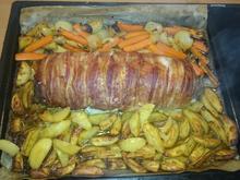Mediterran gefüllte Hackrolle mit Kartoffelecken und Ofengemüse - Rezept - Bild Nr. 3302