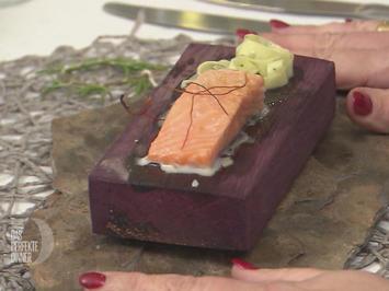 Lachs auf Planke mit Bärlauchnudelnest - Rezept - Bild Nr. 2