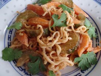 Rezept: Mie-Nudeln mit Erdnuss-sauce
